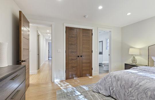 floor_2_bedroom_1-4