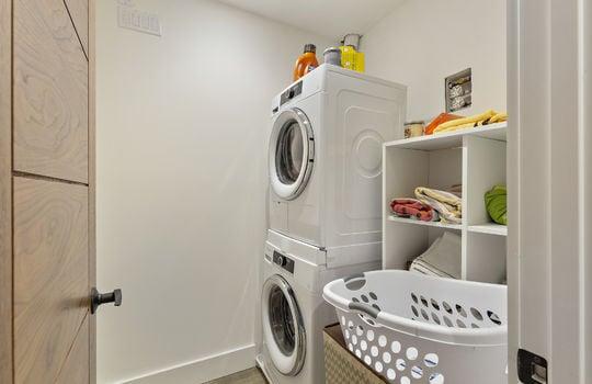 floor_2_laundry_room-1