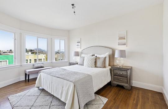 level_2_master_bedroom-10