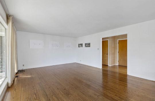 Floor1_living-room-9-2