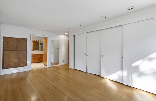 Floor1_master_bedroom-9-2
