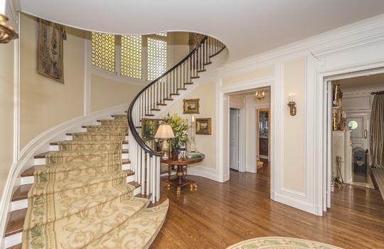 119BridgeRd_HILLS_Stairway001