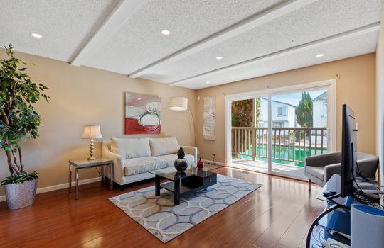 Floor1_Livingroom2-2