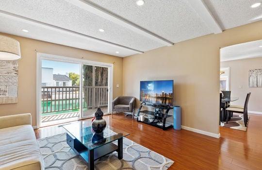 Floor1_Livingroom2-6