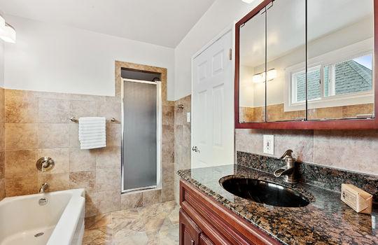 Floor2_bathroom-3