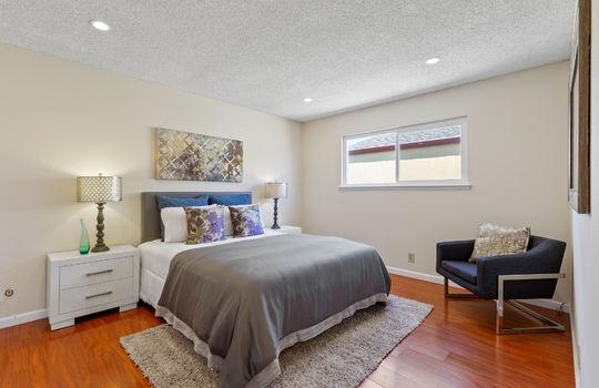 Floor2_bedroom2-2