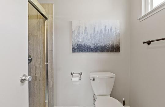 Floor2_masterbathroom-6