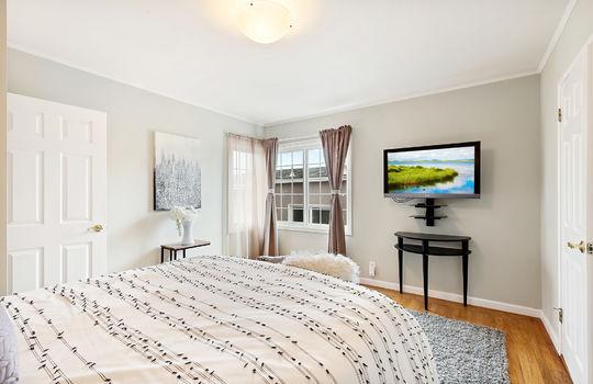 Floor3_master_bedroom-9