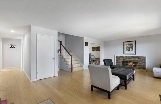 Floor1_living-room-3-2