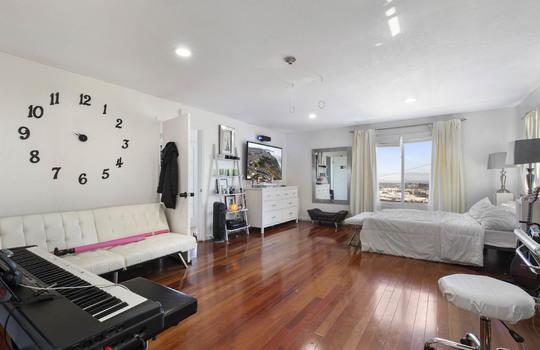 Floor2_Master_bedroom-13-2