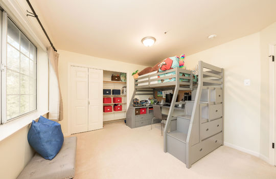 upstairsbedroom3-1