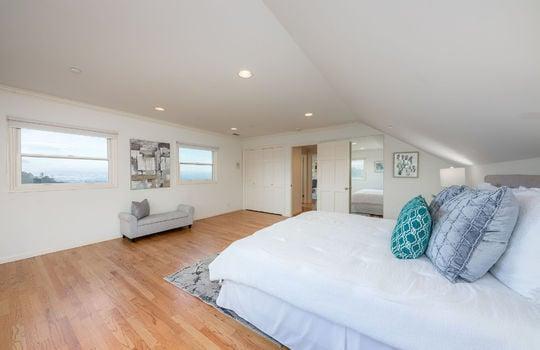 upstairsbedroom1-2