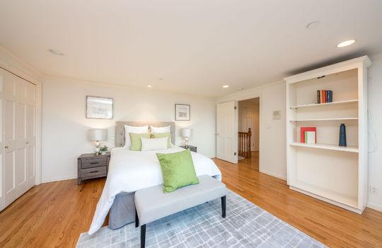 upstairsbedroom2-2