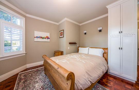 downstairsguestbedroom-2