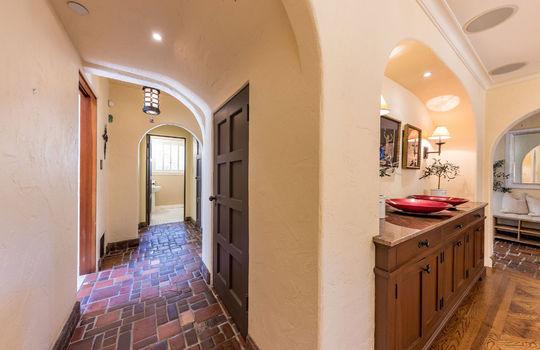 diningroomtokitchenhallway-1