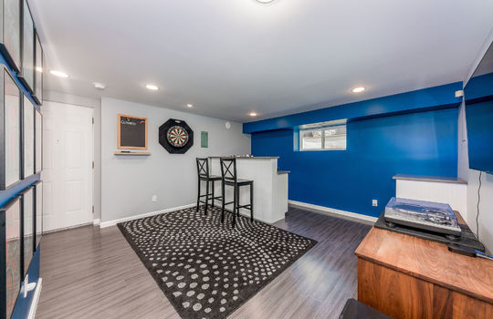 downstairsfamilyroom-2