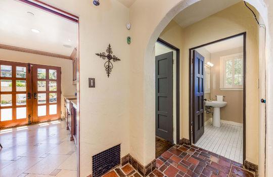 hallwaytoguestbedroomandbath-1