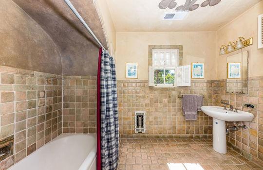 masterbathroom-2