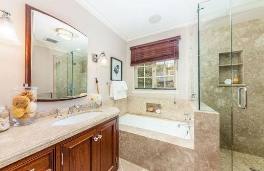 upstairsbathroom-1