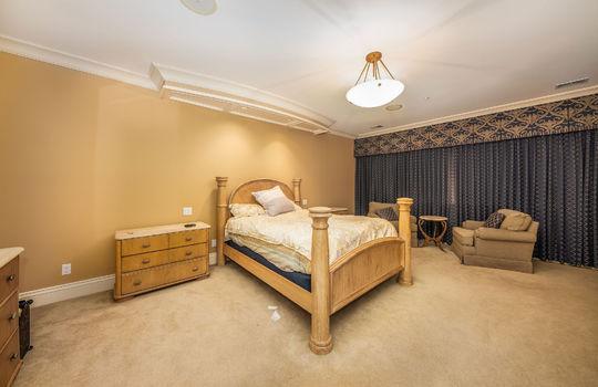 bedroom2upstairs047