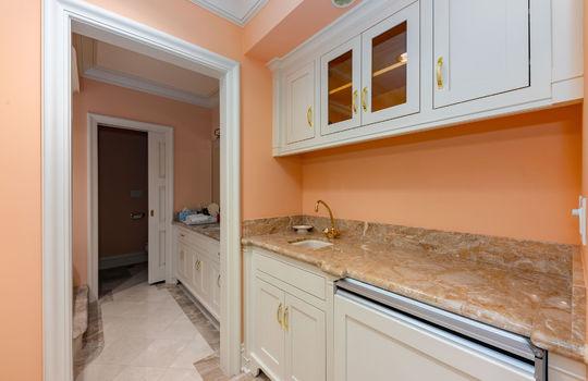 guestsuitedownstairs030