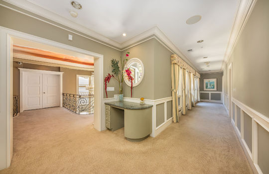 hallwayupstairs042